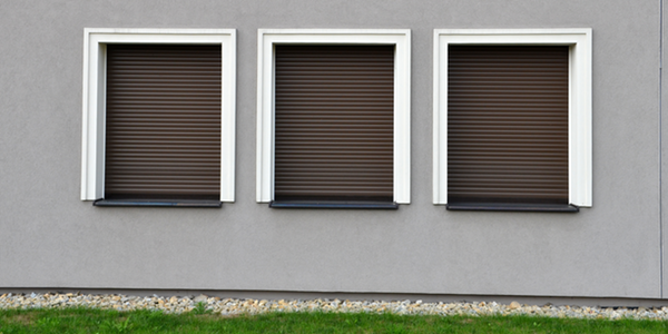 track_guided_exterior_blinds